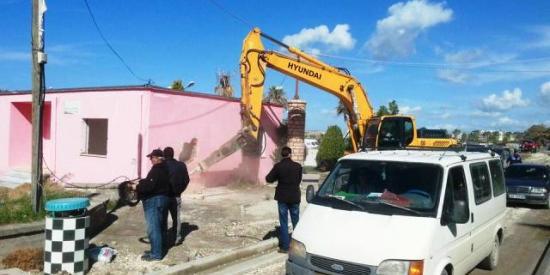 IKMT prish 2 objekte e fundit, që pengonin punën për Bypassin e Vlorës 06/03/2017